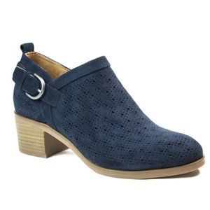 New White Mountain Astrid Navy Suedette Booties
